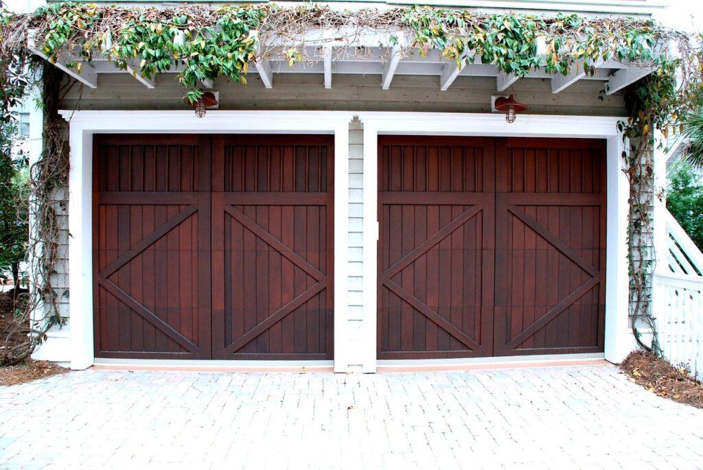 clean garage door